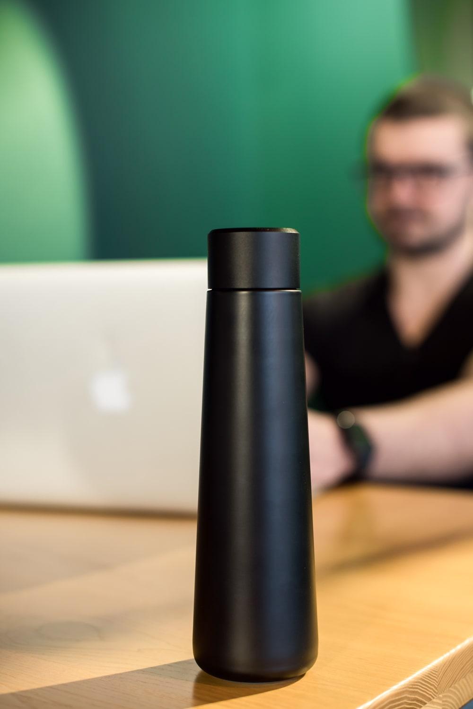 Умная бутылка с напоминанием о питье воды и ЖК-экраном (чёрная)