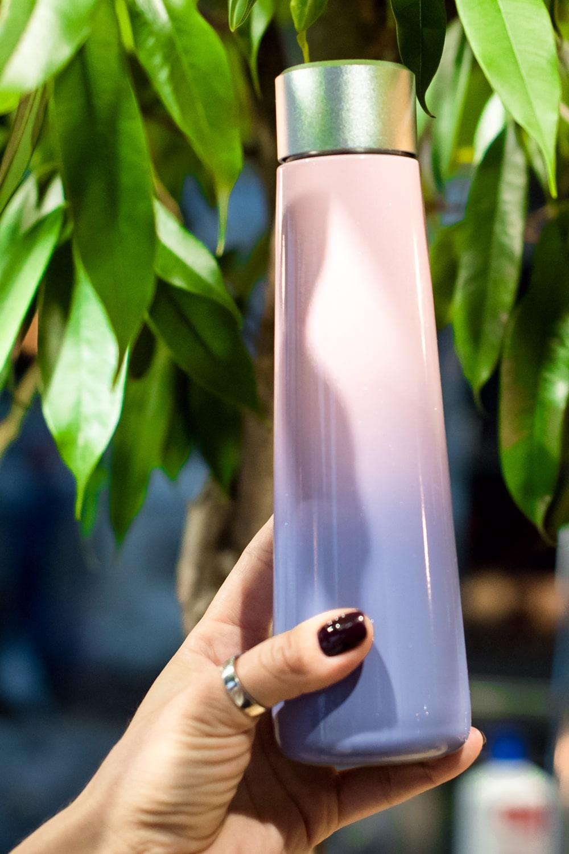 Умная бутылка с напоминанием о питье воды и ЖК-экраном (градиент)